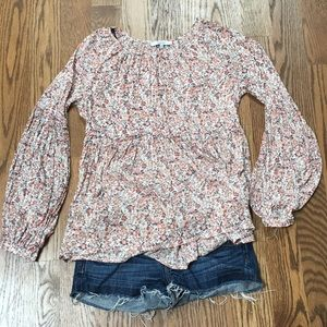 Tops - Floral top. XS.